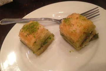 <p>The typical Turkish pastry, Baklava</p>