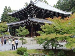 経蔵。重要文化財である。三門と同じ元和7年(1621)に建てられた