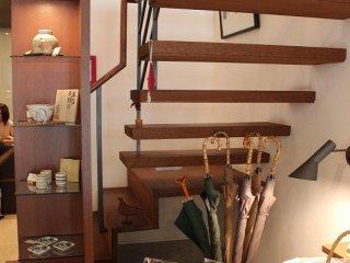 食器やリネン、家具なども俵屋旅館オリジナルで購入できる