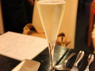 グラス売りのシャンパン