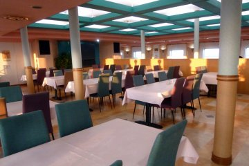 <p>The truck drivers ate a set meal&nbsp;in a separate room. The soldiers ate a set meal in the back of the main restaurant.</p>