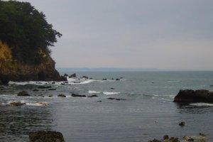 View north from Rokkakudo towards Fukushima along the Izura cliffs