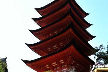 <p>One of the most beautiful architectures of Japan, the five-story pagoda with cypress bark-thatched roofs standing on the hill</p>