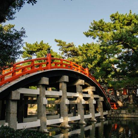 Sumiyoshi Taisha Shrine