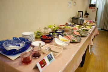 <p>Breakfast buffet at Hotel Wellness Yokoteji is served daily 07.00-09.00 in the hotel&#39;s Kamakura Restaurant</p>
