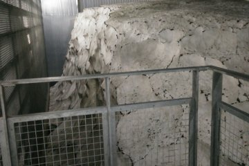 <p>Snow keeping the sake at a constant temperature in the traditional storage facility</p>