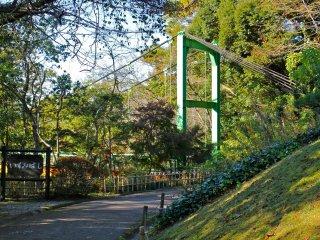Pemandangan pertama dari Jembatan Izumi di jalur utama