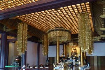 Inside the main hall, Daiden.