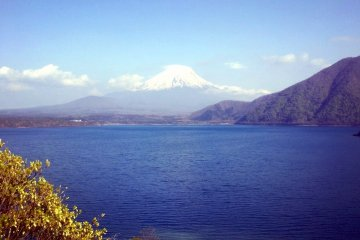 <p>Фудзи-сан, по дороге в Хаякаву</p>