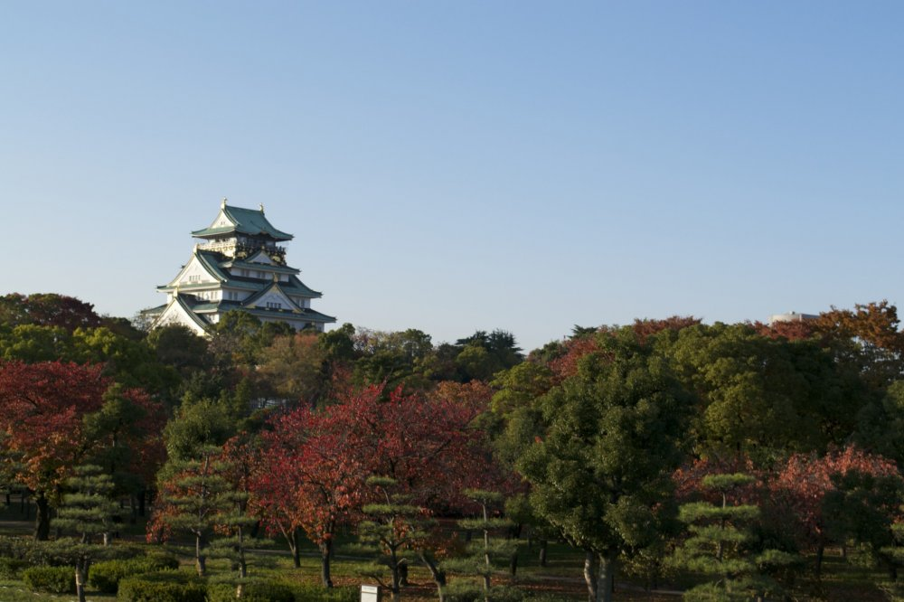 View of the castle from the Nishinomaru Garden