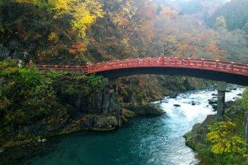 สะพานชินเกียว (神橋 - Shinkyo Bridge)