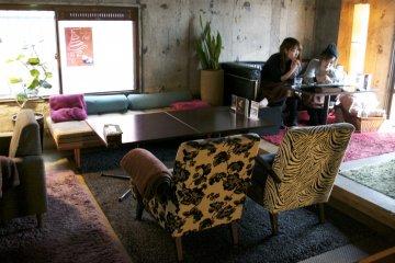 <p>More colorful furniture!&nbsp;</p>