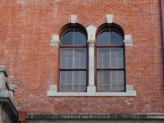 정면 창문