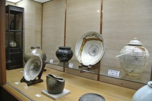 Many famous artists' works are displayed in this museum, as well as the work of Shoji Hamada's friend Bernard Leach.