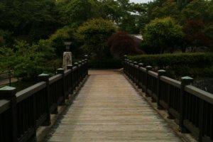 The bridge leading into the park