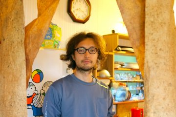 <p>The friendly Yohei who helps running the guesthouse</p>