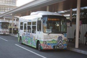 Kumamoto Castle Loop Bus (Shiromegurin) ที่จะทำให้เราเที่ยวคุมาโมโต้ได้ง่ายๆ