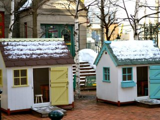 The first thing inside are these beautiful cute little 'furnished' houses in yellow, pink and blues. We could easily slide inside and take a snap or two of the tiny beds, tables and chairs. For children it definitely makes for a favorite hide-out.