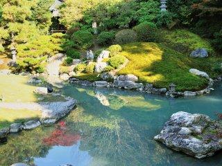 相阿弥(そうあみ)の庭と龍心池