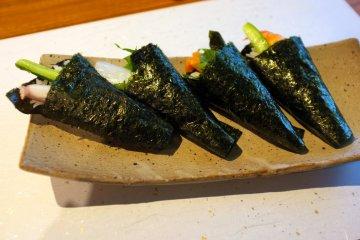 <p>El sabroso temaki sushi</p>
