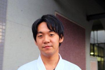 <p>Este amable hombre es el se&ntilde;or Yuki Yamada, el due&ntilde;o del restaurante Kappou Yama</p>