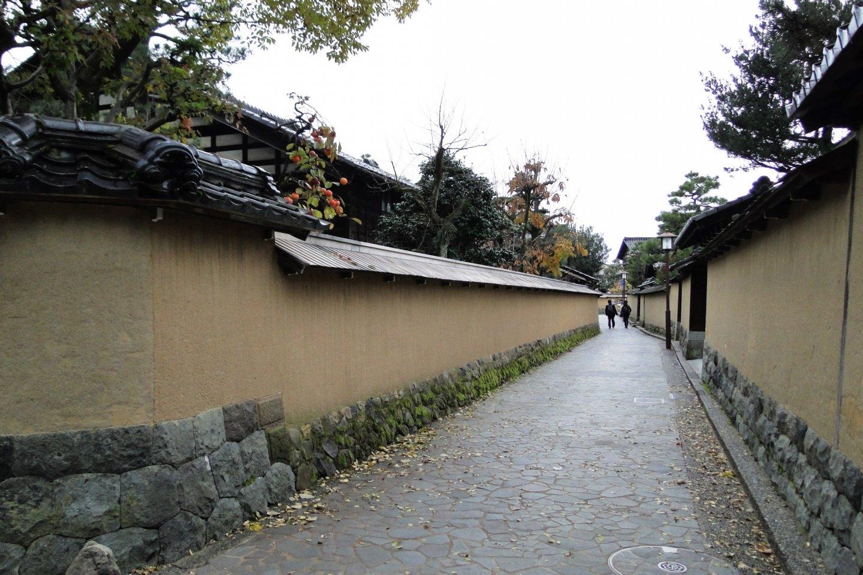 Narrow streets of the NagamachiSamurai District in Kanazawa