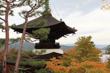 京都嵯峨野、「常寂光寺」