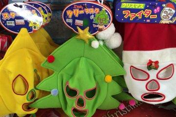 <p>Я уверена, что все эти рождественские маски предназначены для того, чтобы одевать их в праздничное время.</p>