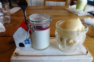 The house dessert is a delicious ice cream and pudding combination, using milk from local dairies