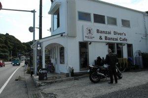 Banzai Diver's Cafe