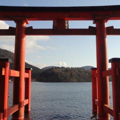 Hồ Ashi vùng Hakone
