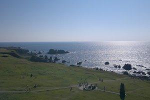 Вид на южную сторону с крайней точки полуострова Ога