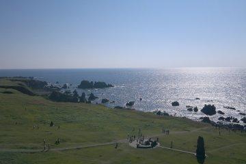 <p>Вид на южную &nbsp;сторону с&nbsp; крайней точки &nbsp;полуострова Ога</p>