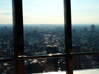 На верху вы почувствуете, как будто мир очень маленький и вы очень важны, смотря как город дышит под вами.