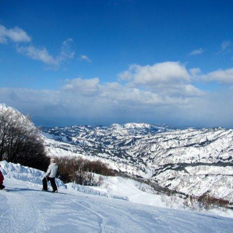 Charmant Hiuchi Snow Resort