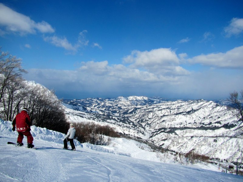 <p>Looking toward the Sea of Japan from the top of Charmant Hiuchi</p>