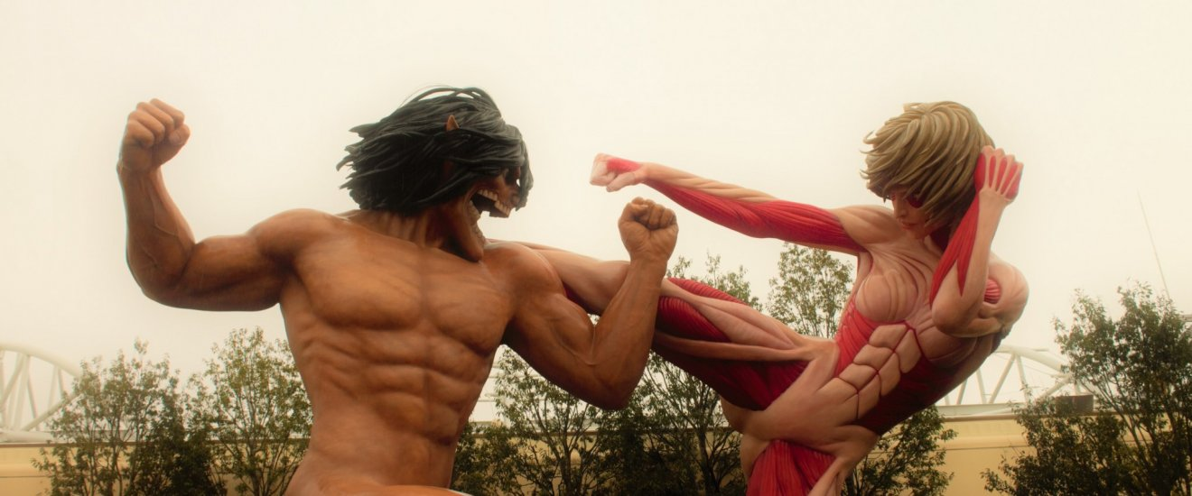 Atrações do Cool Japan no Universal Studios Japan, com titãs de tamanho real em combate!