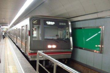Midosuji Line 1-series train