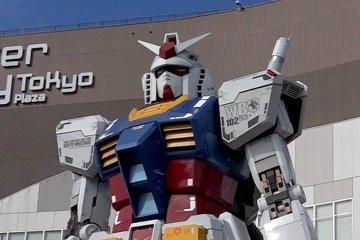 Gundam Berukuran Asli di Odaiba