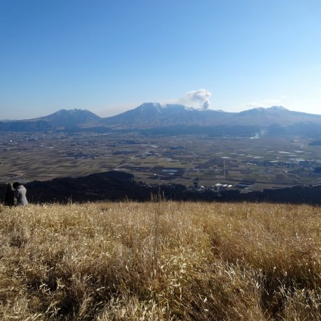 Driving the Milk Road to Daikanbo