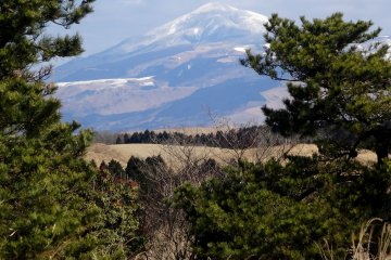 <p>In winter, the Kuju Range is perpetually snow-capped</p>