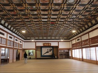 산쇼카쿠 2층의 그림천장 큰 방