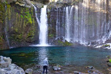 <p>Let the powerful cascade move you while enjoying the view at the base of Shiraito Falls</p>