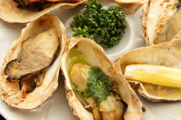 ヤマライ名物、半世紀かけて磨き上げられた極上の味、オイスター・ヴァリエ