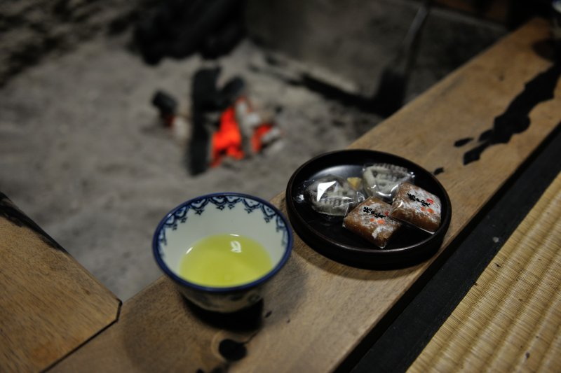 <p>Red fire in black charcoal! The irori fireplace reminds me of long-gone memories. I felt like I was a boy again!</p>