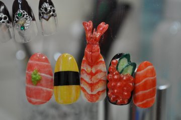 <p>Sushi art nails</p>