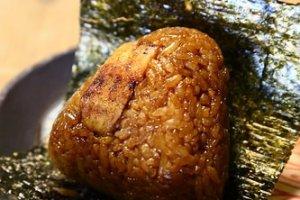 美味的鰻魚飯糰