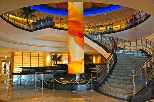 The grand entrance to the Reception Lobby at Yokohama Bay Hotel Tokyu