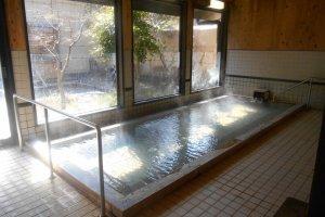 L'un des bains intérieurs