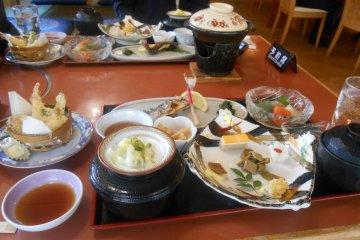 <p>Subaru restaurant meal</p>